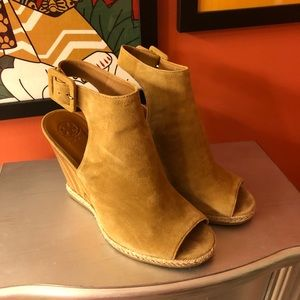 Tory Burch size 9 shoes. 👚*